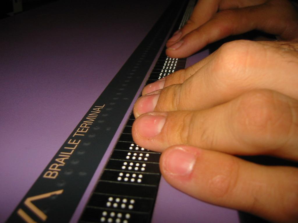 Braillezeile im Einsatz